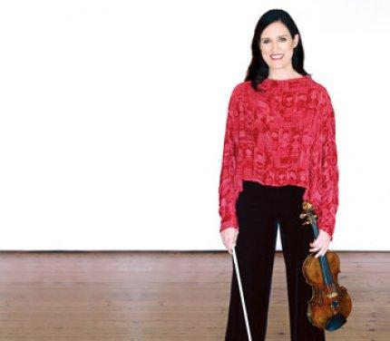Zanta Hofmeyr - Gallery Photo - Standing - Wide